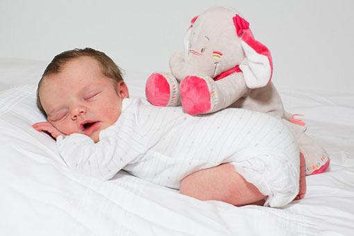 Léonie à la maternité
